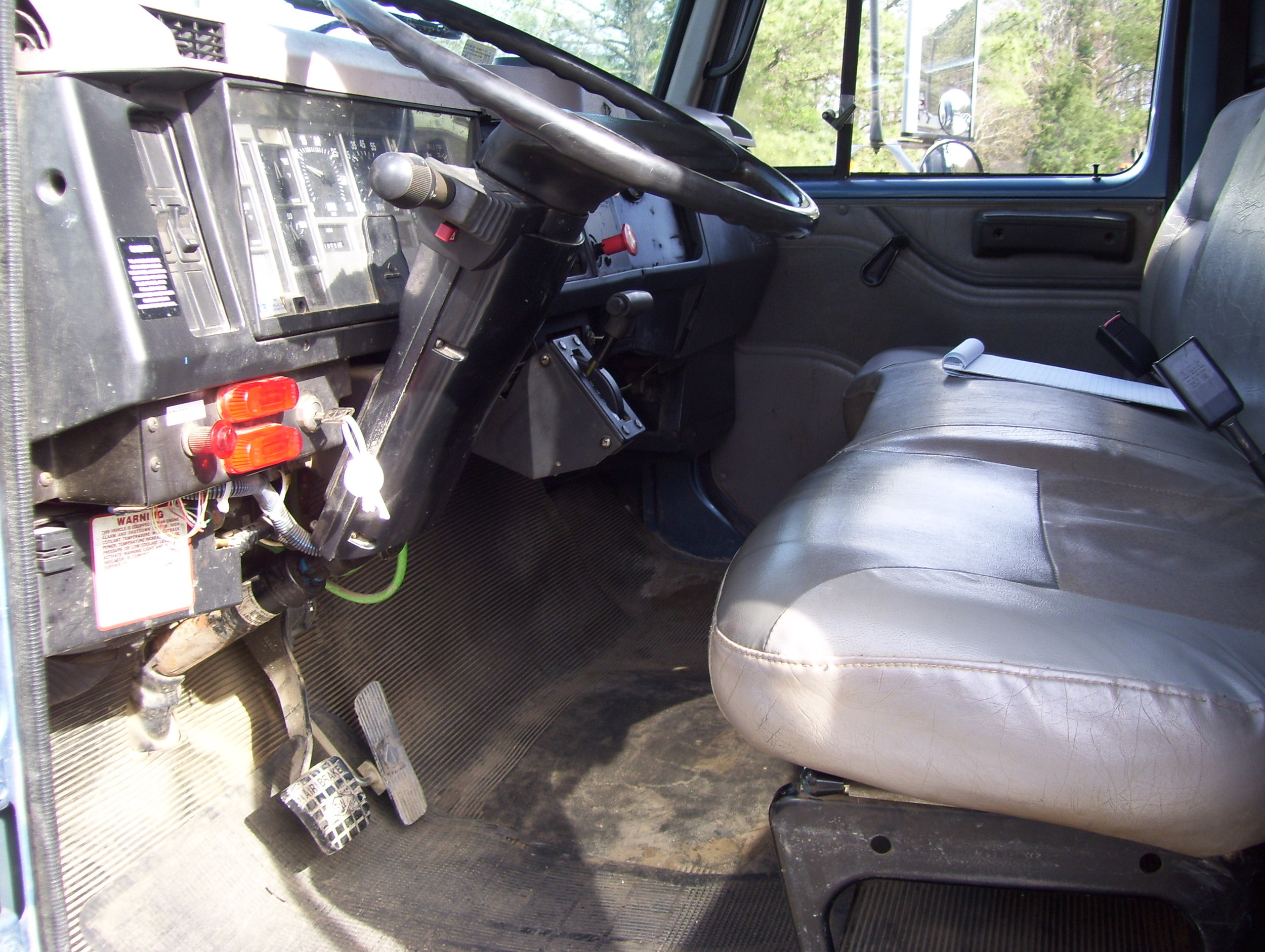 99 International Service Truck 002.jpg