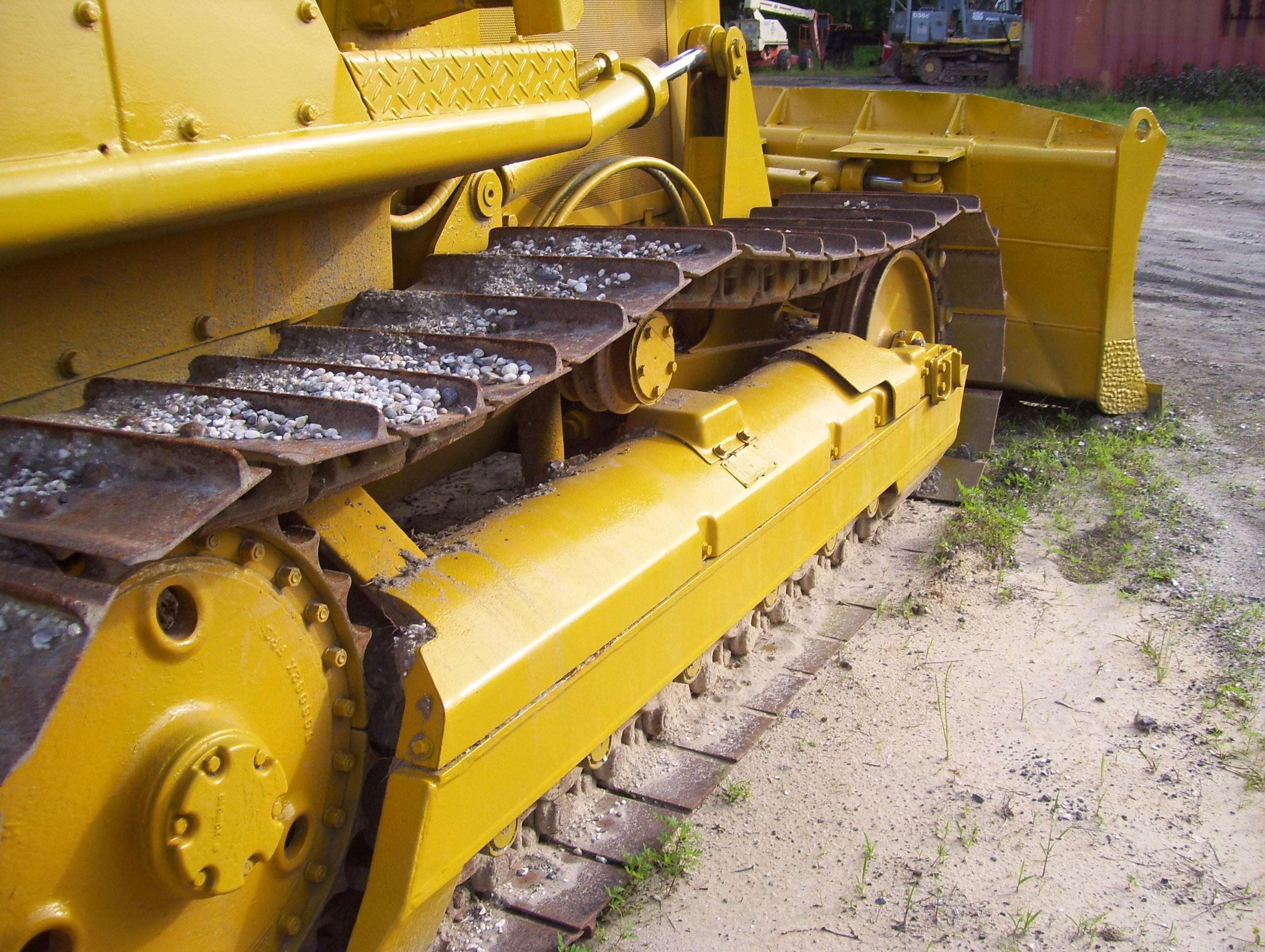 Cat D3 Dozer 005.jpg