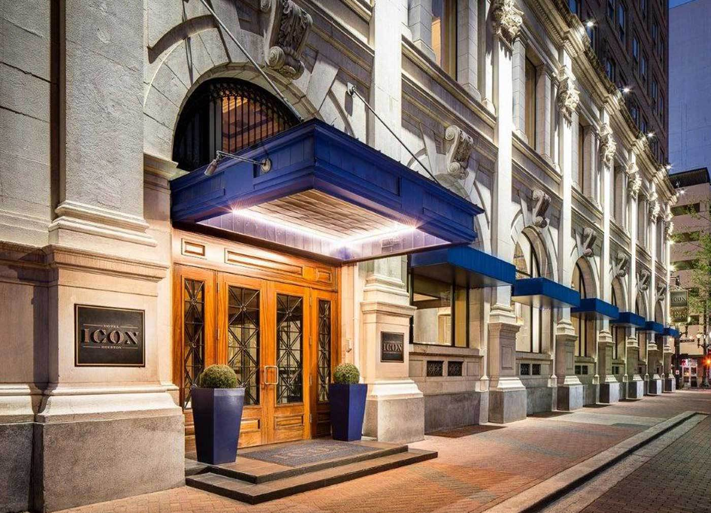 Hotel-ICON---Congress-Street-entrance_0.jpg