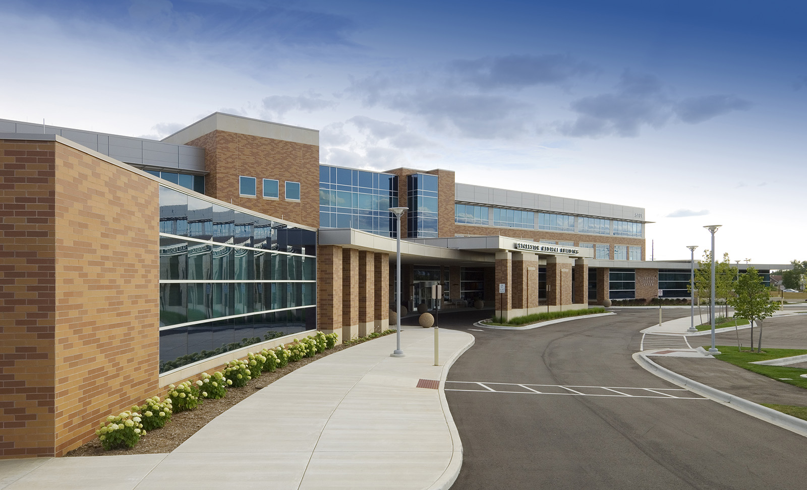 clarkston-medical-building-exterior