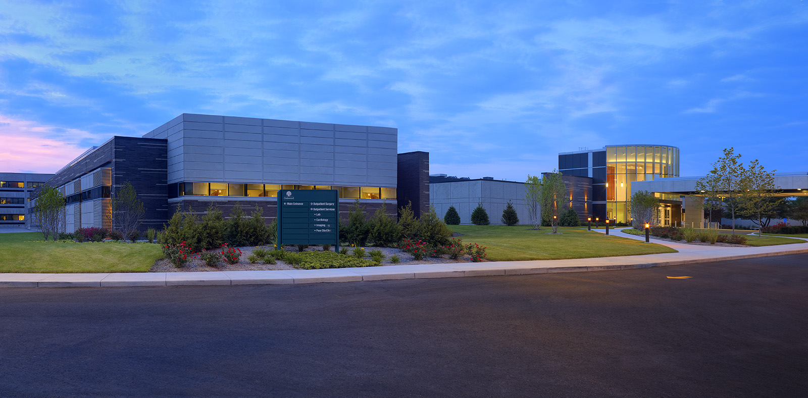 oakwood-heritage-hospital-exterior