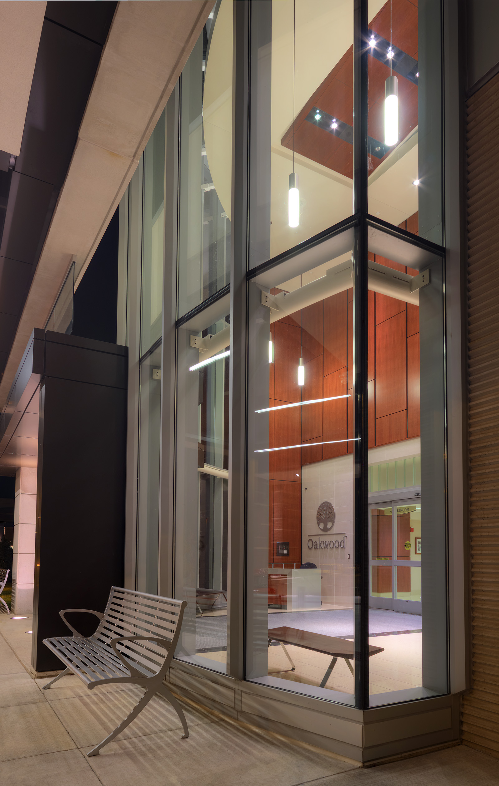 oakwood-heritage-hospital-entrance