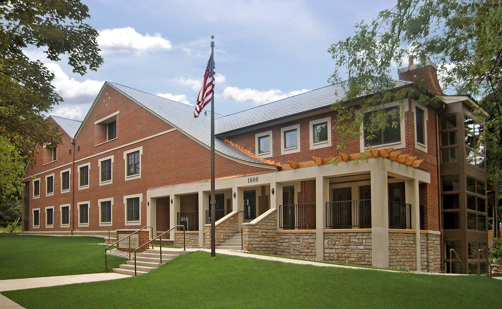 university-of-michigan-evans-scholars-exterior