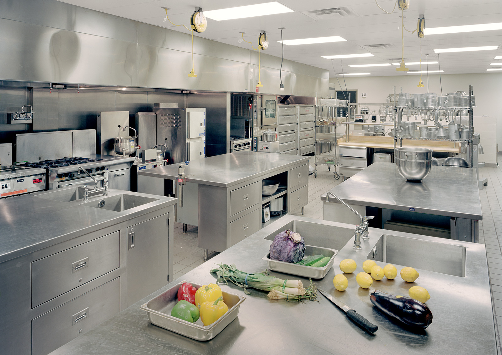 henry-ford-community-college-student-center-kitchen