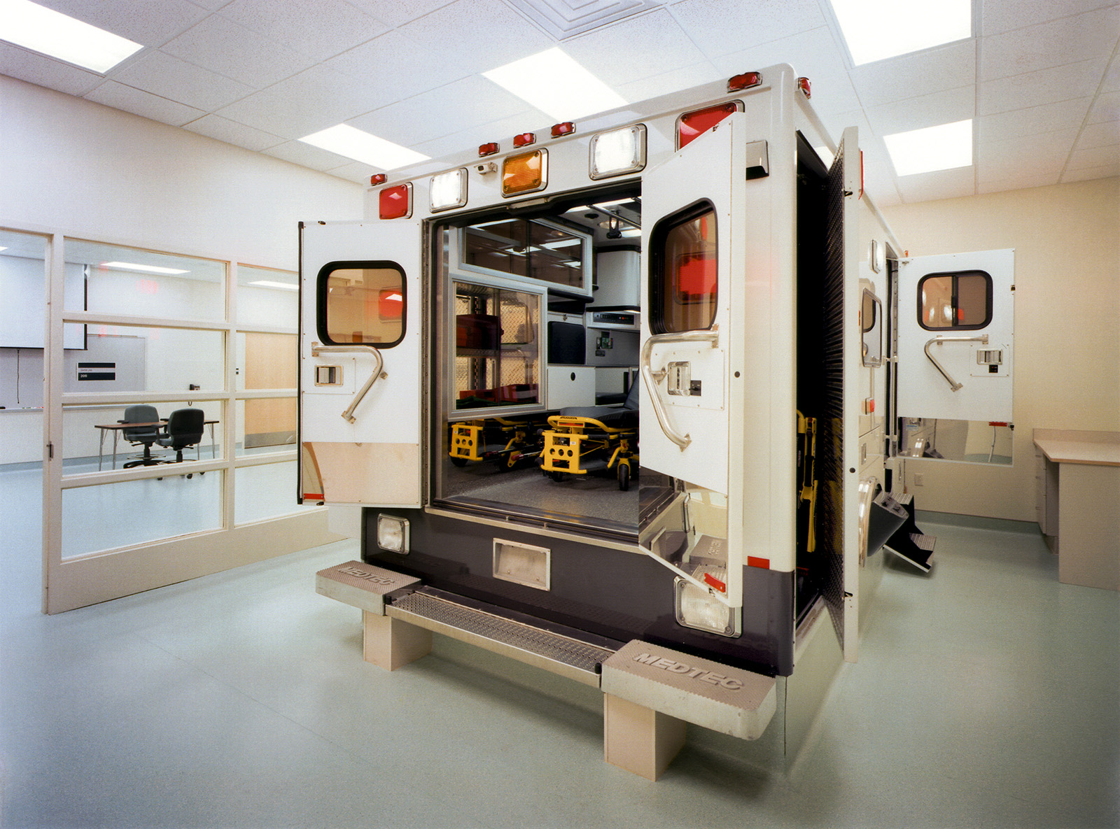 lcc-health-and-human-services-ambulance