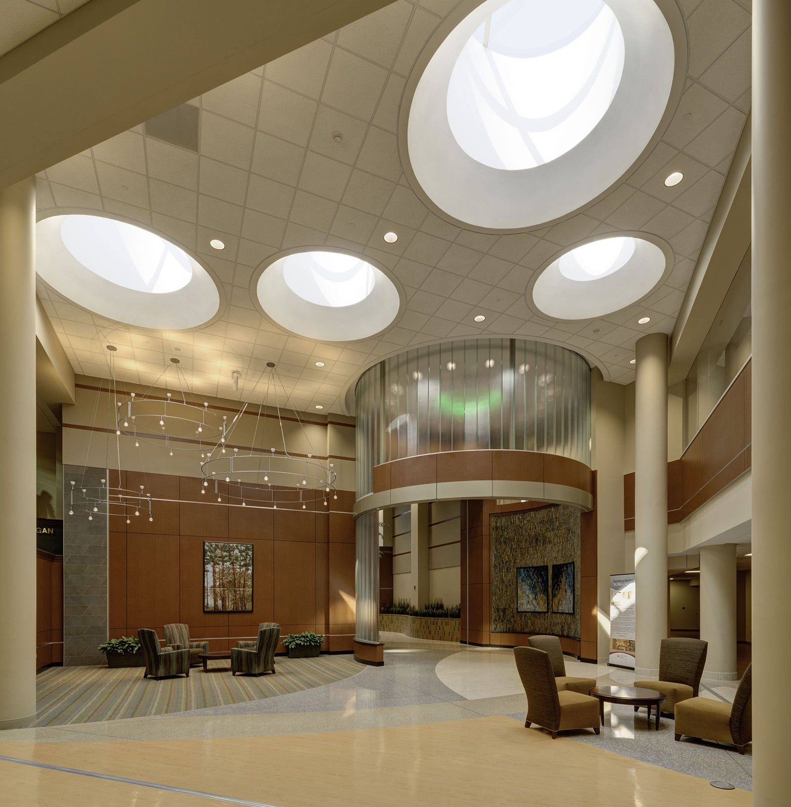 st-mary-mercy-livonia-lobby