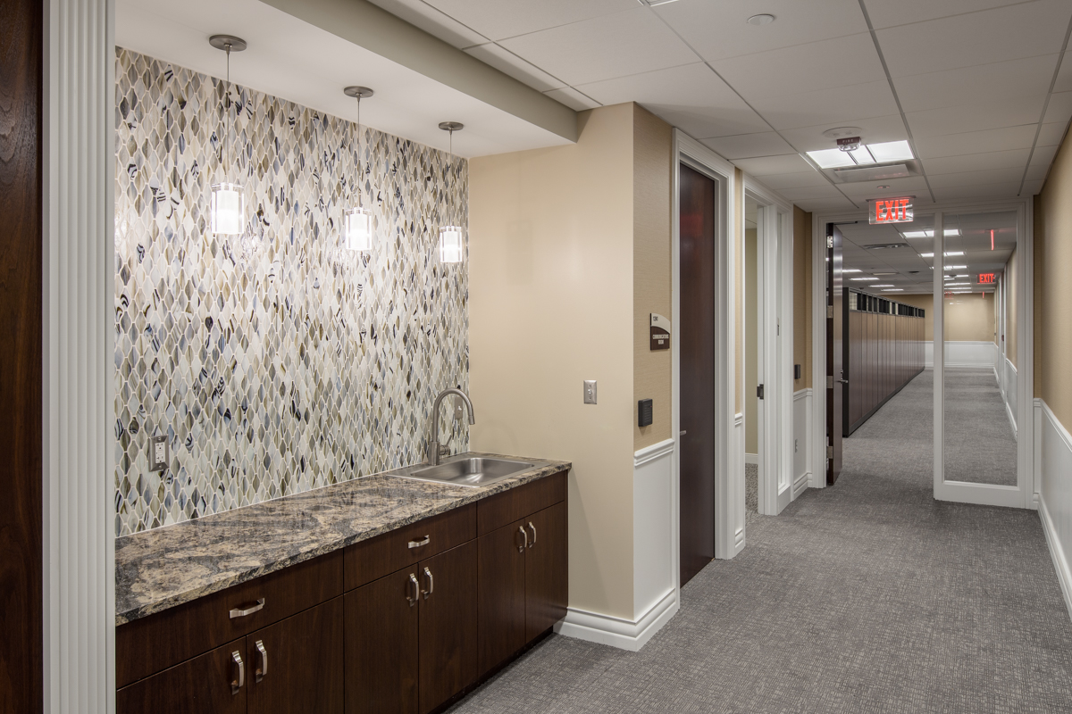 beaumont-executive-suite-kitchenette
