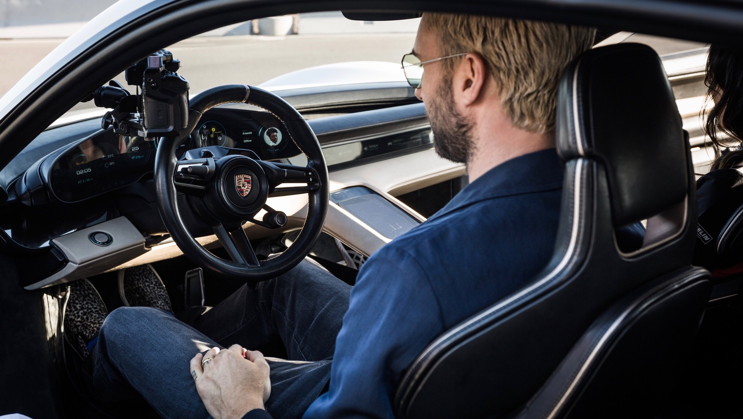 high_adam_levine_porsche_experience_center_los_angeles_2018_porsche_ag-2.jpg