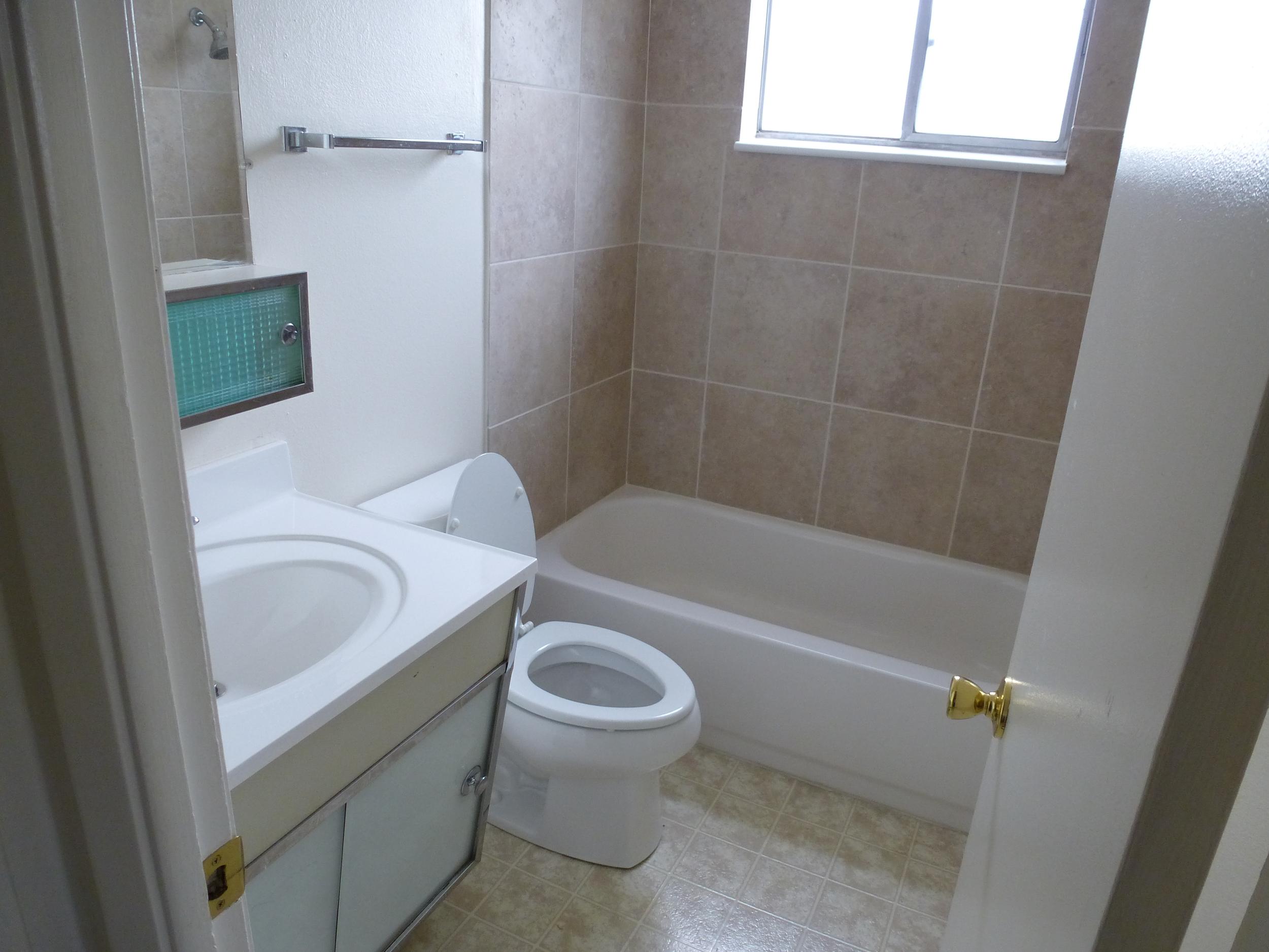 cc bath 2.JPG