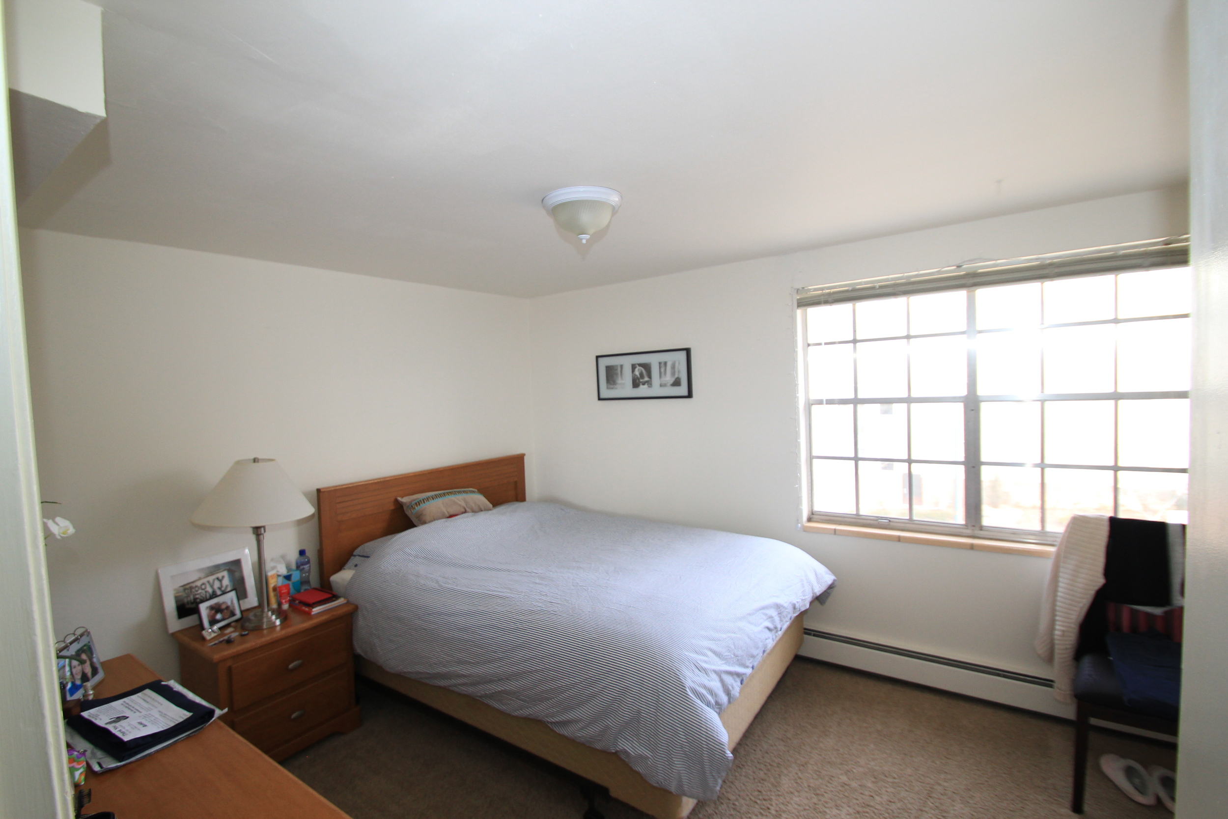 cc end unit bedroom 1.JPG