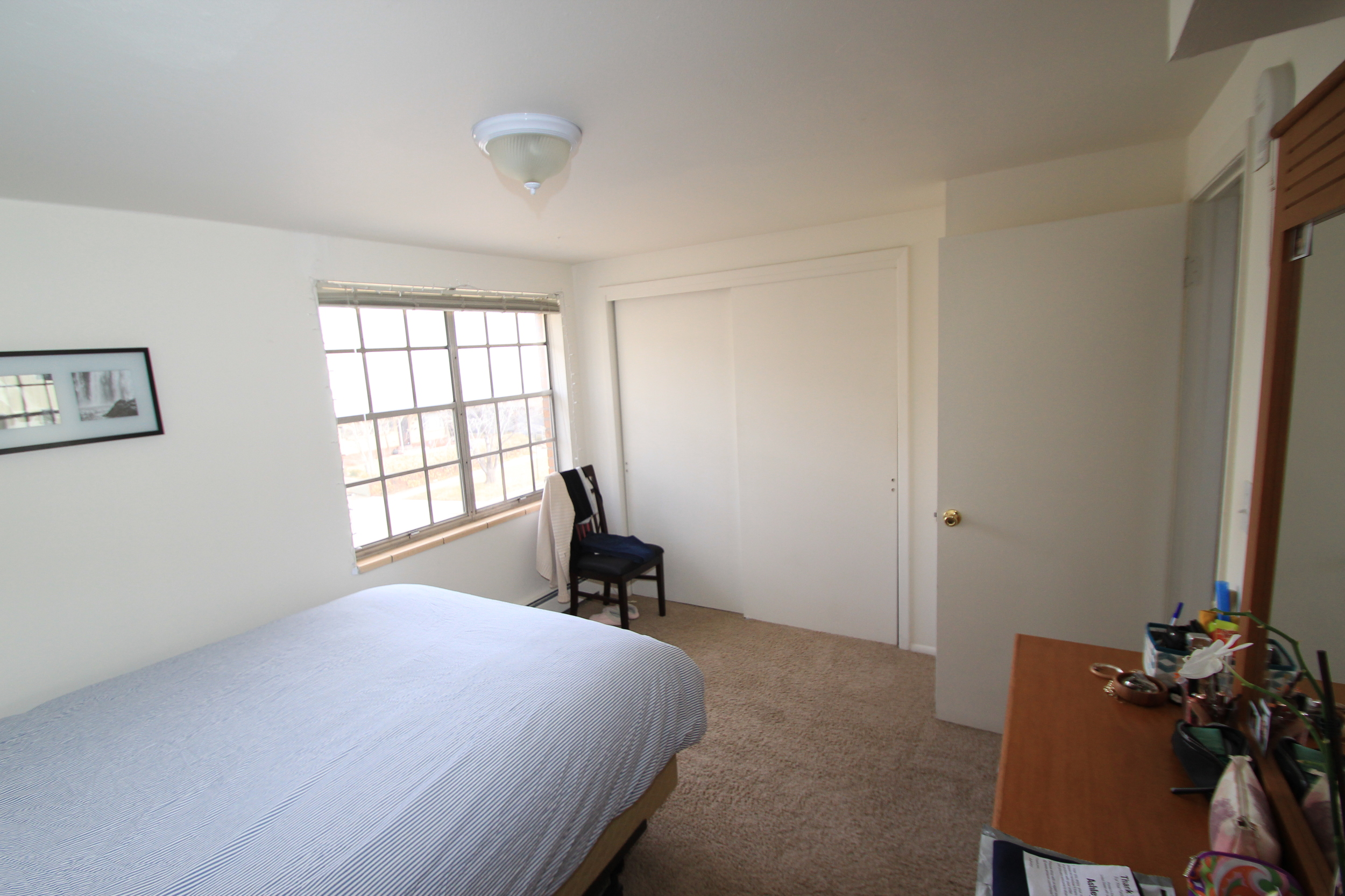 cc end unit bedroom 3.JPG