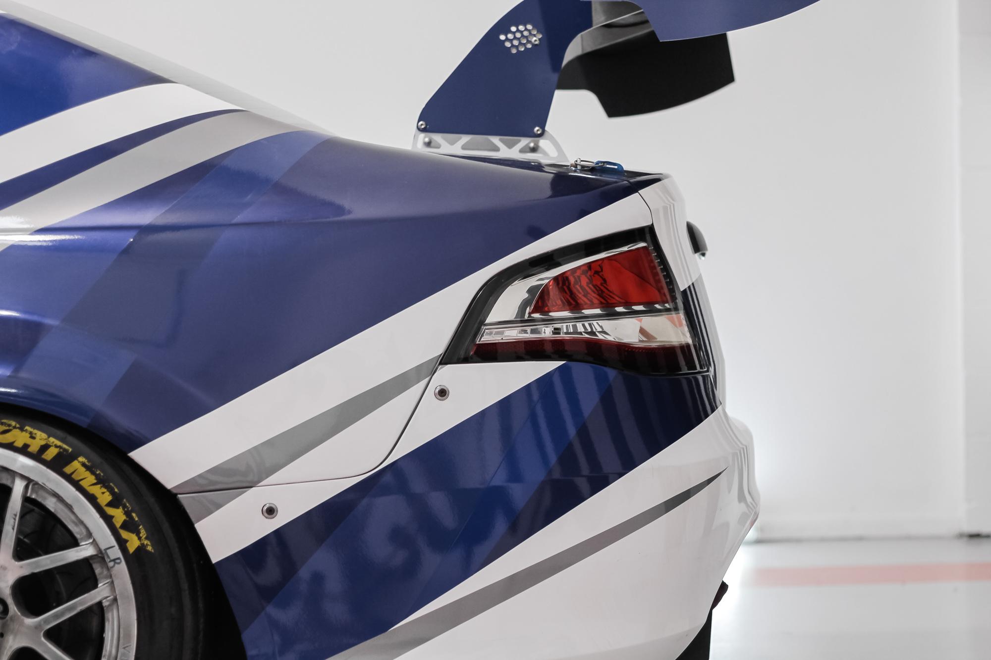 Ford V8 Signage