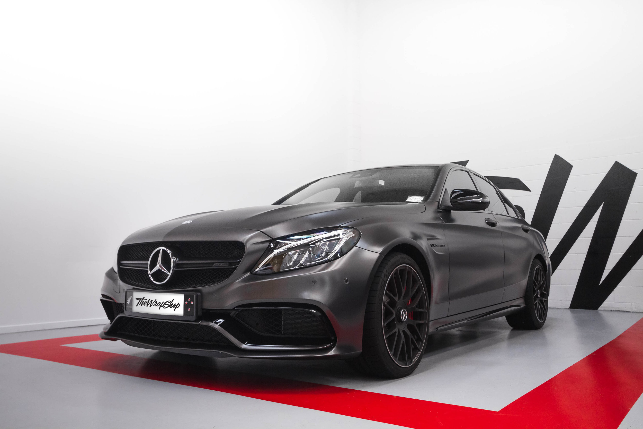 Mercedes C63 Avery peral nero
