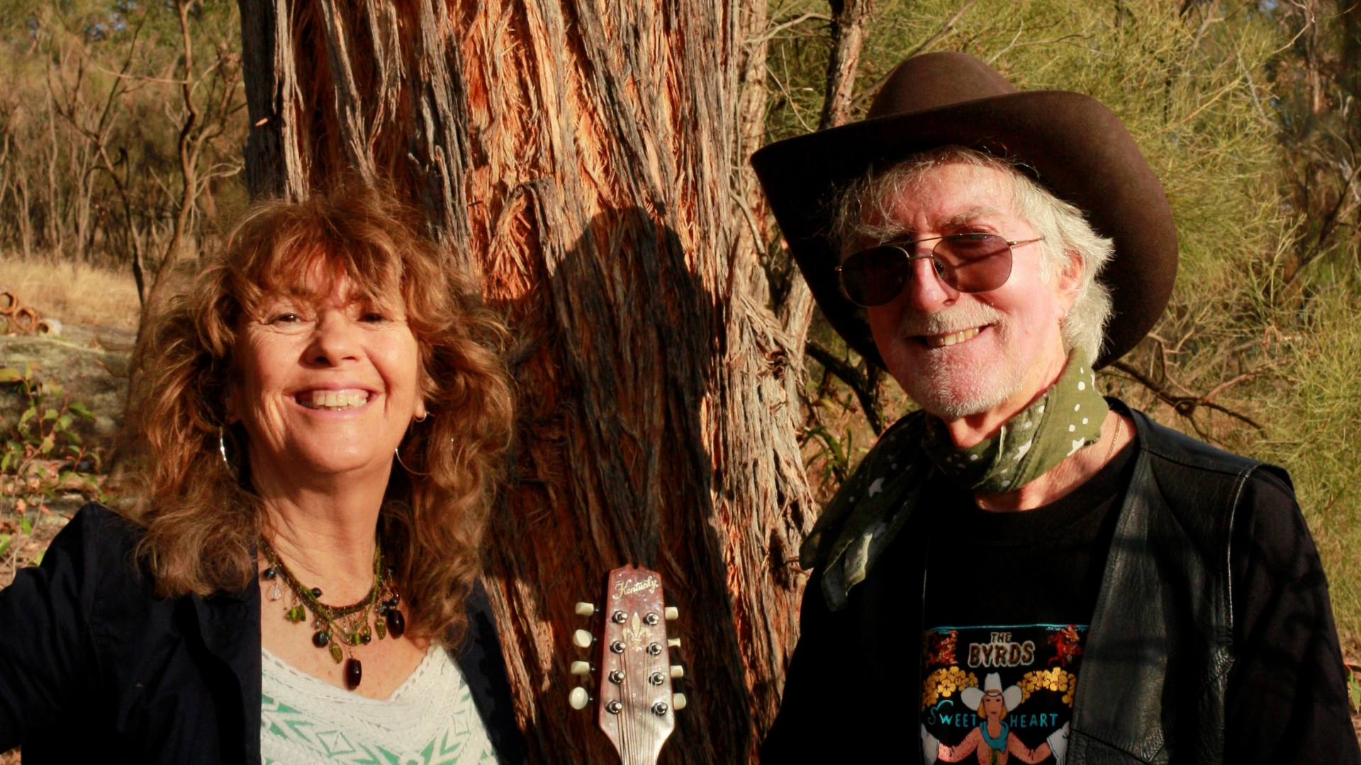 PENNY DAVIES & ROGER ILOTT (QLD)  After almost 40 years of writing playing recording and singing together Penny Davies & Roger Ilott create the kind of seamless musical persona as a duo that only a long and loving musical relationship can. Their evocative versions of Queensland poet Bill Scott's songs are classics of the genre.