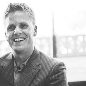Aaron Niequist Worship Leader at Willow Creek  aaronniequist.com