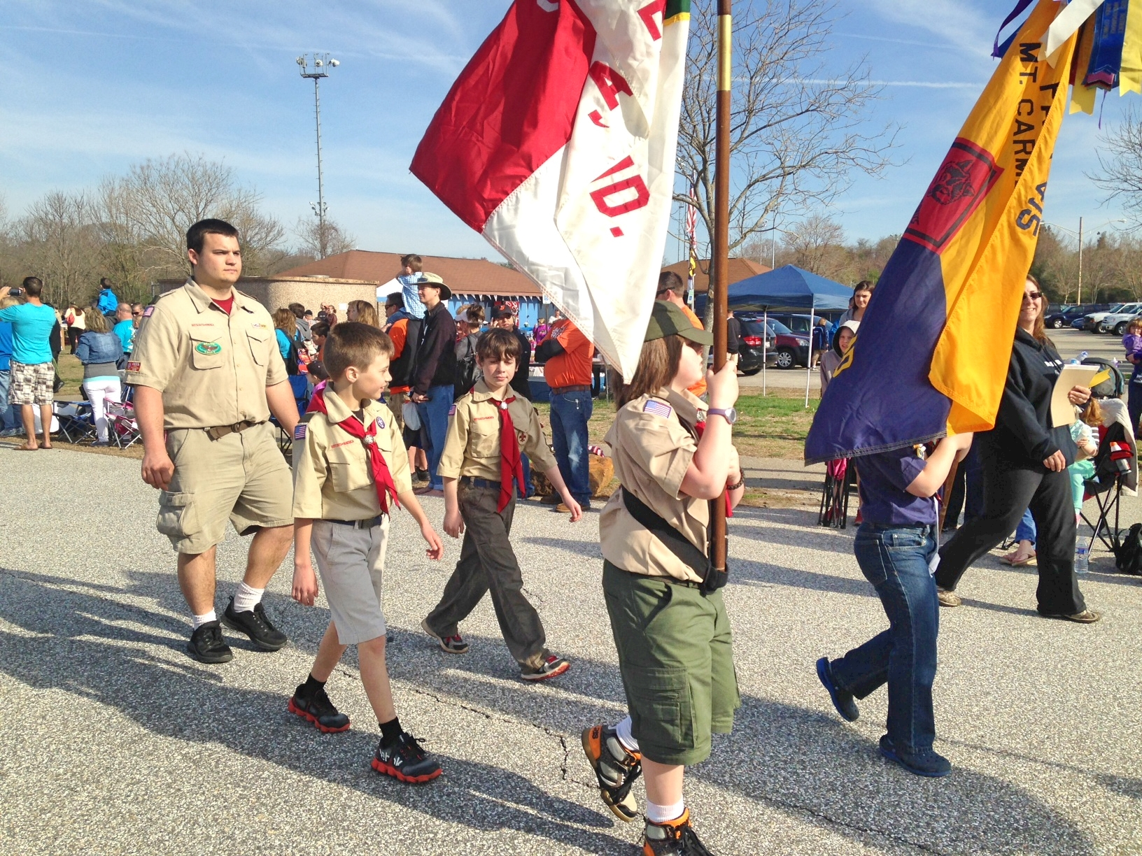 Troop 412 Leads the Lake Shore Baseball Parade 2014.