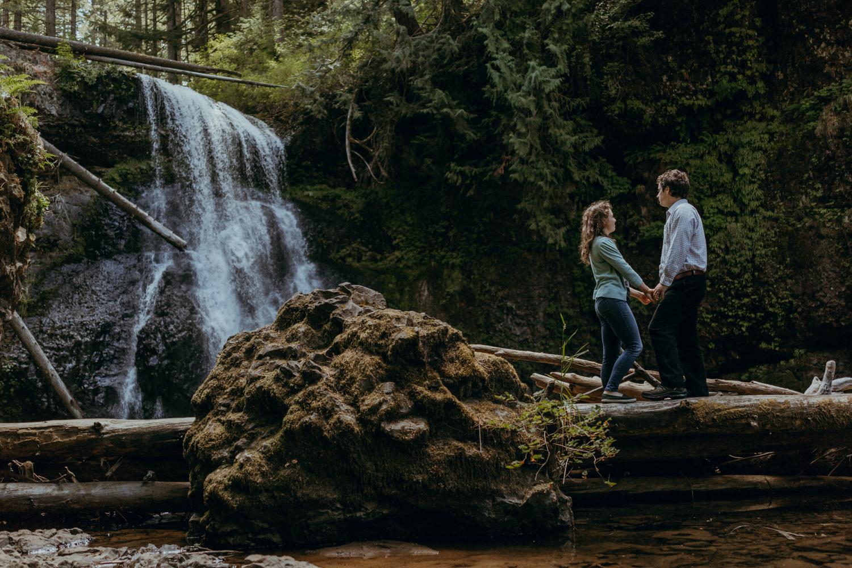 Portland, Oregon Wedding Photographer - Waterfall