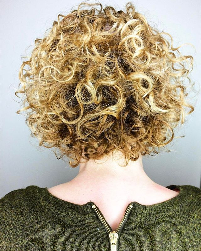Mix it up with golden highlights and fresh deva cut!