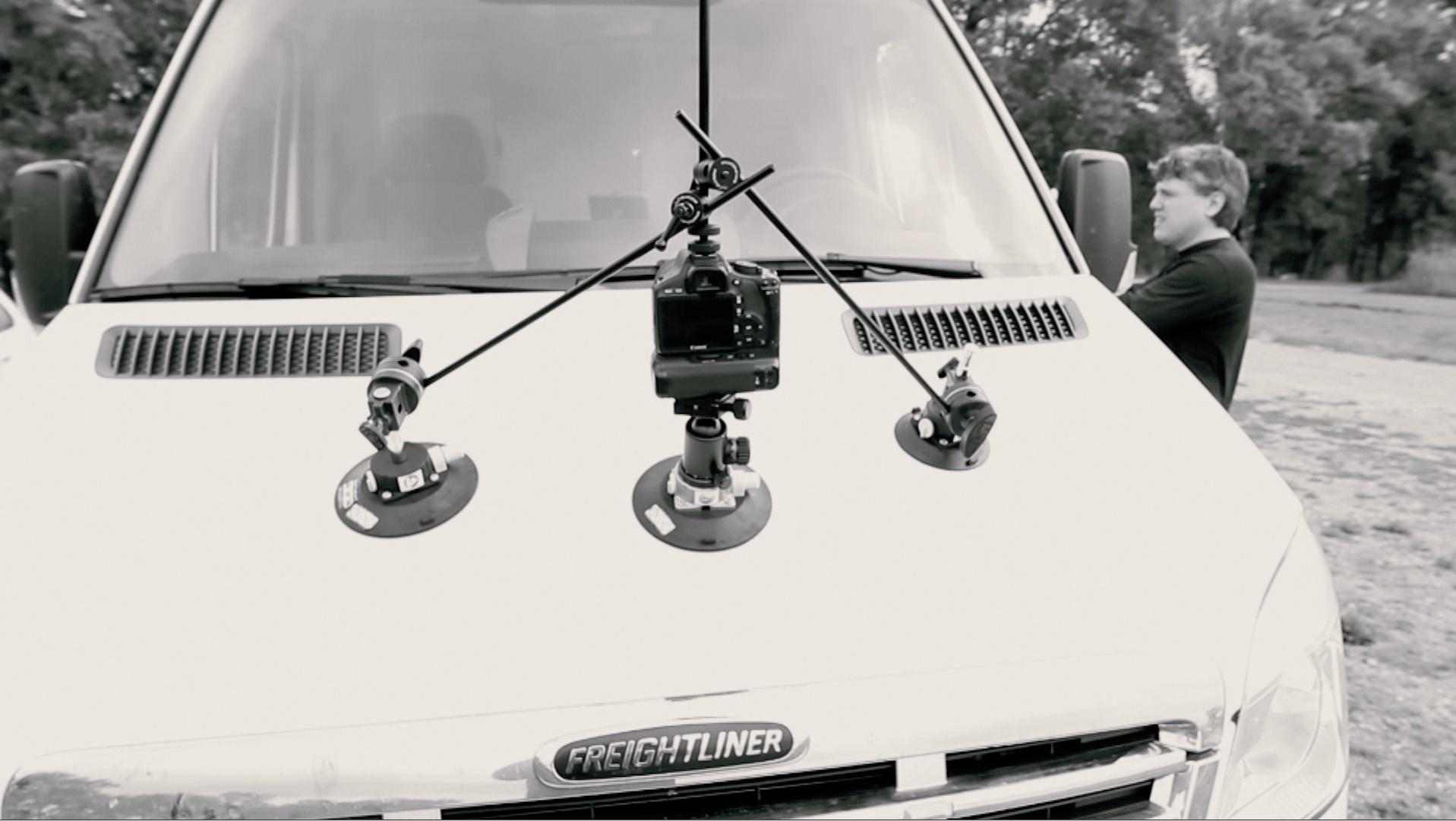 Car-3-point-suction-mount.jpg