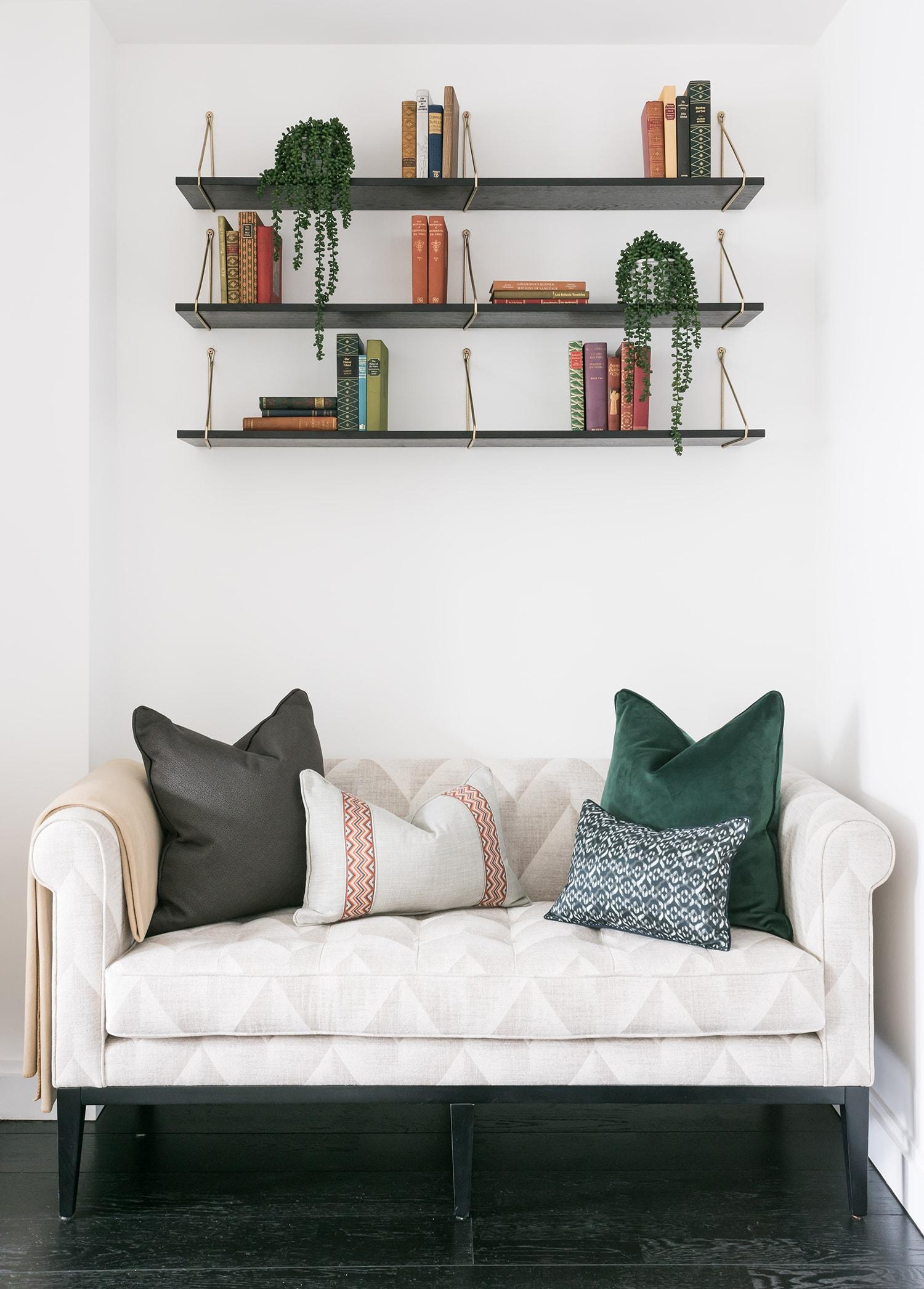 A.LONDON_Ashchurch_Villas_Living_Room_04.jpg