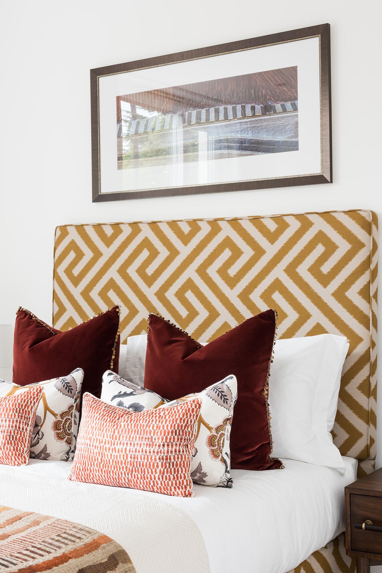 A.LONDON_Ashchurch_Villas_Bedroom_02.jpg