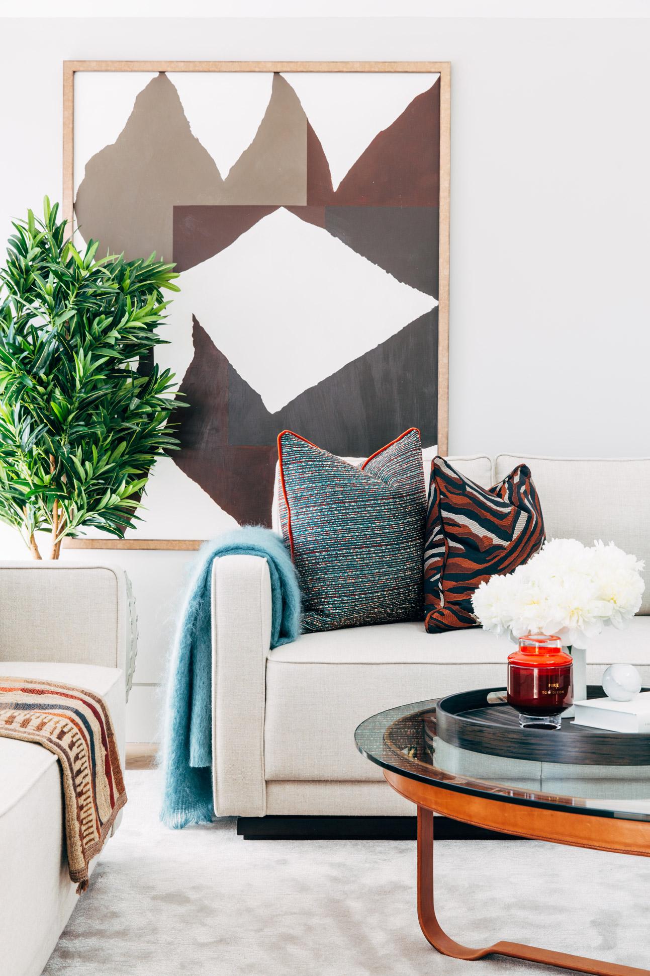 A_LONDON_02_Living_Room.jpg
