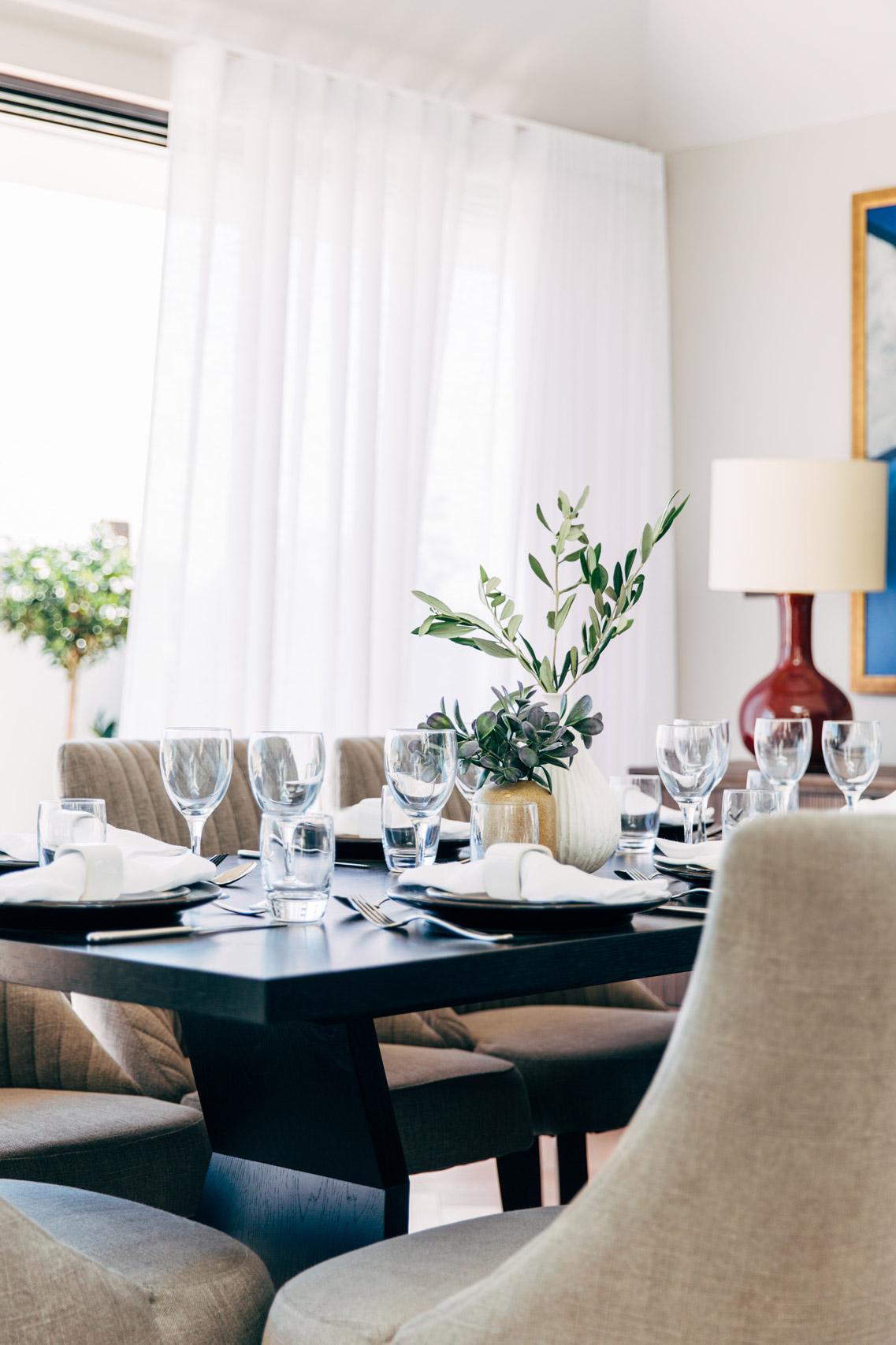 A_LONDON_Hamilton_Court_2_04_Dining_Room.jpg