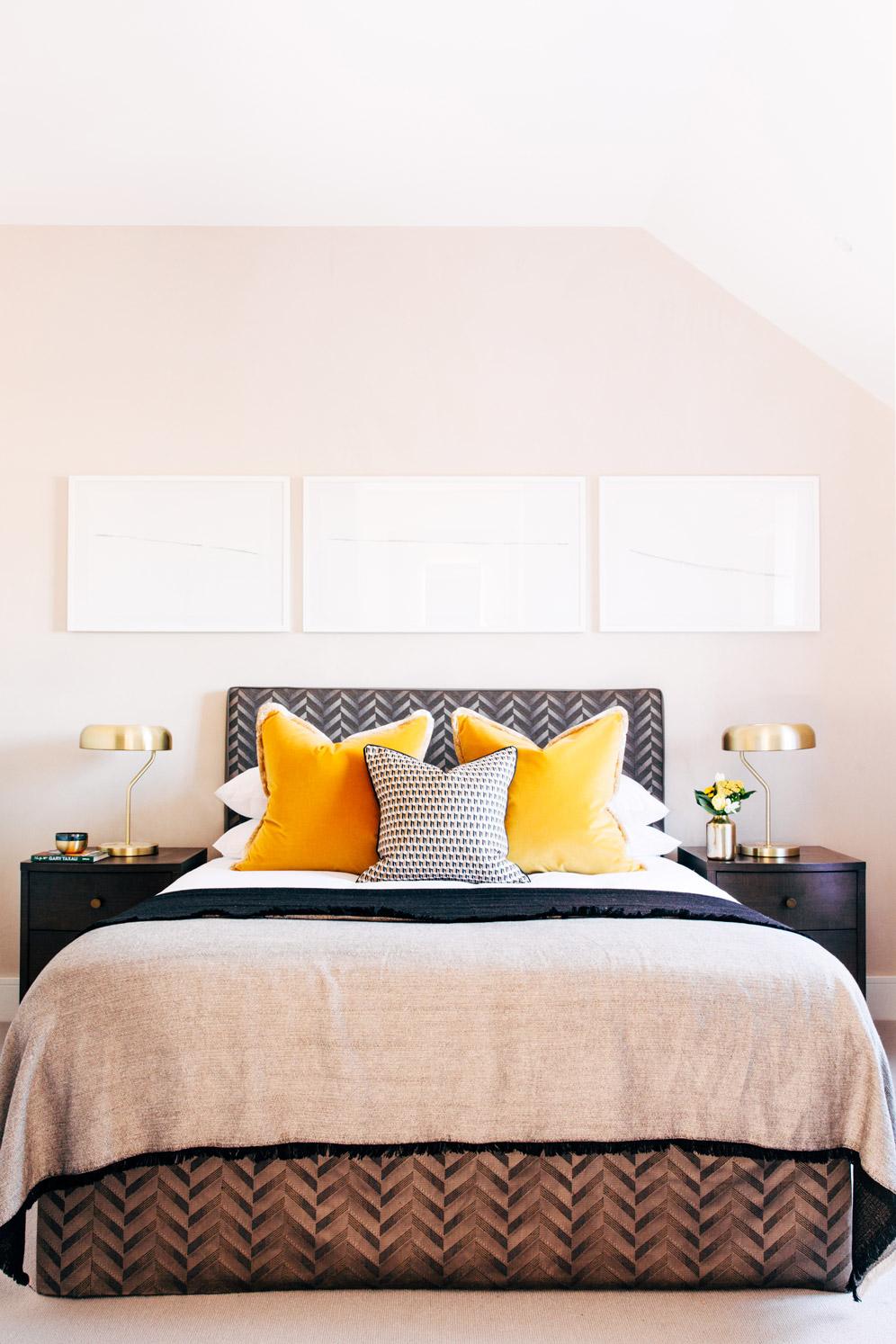 A_LONDON_Hamilton_Court_2_06_Bedroom.jpg