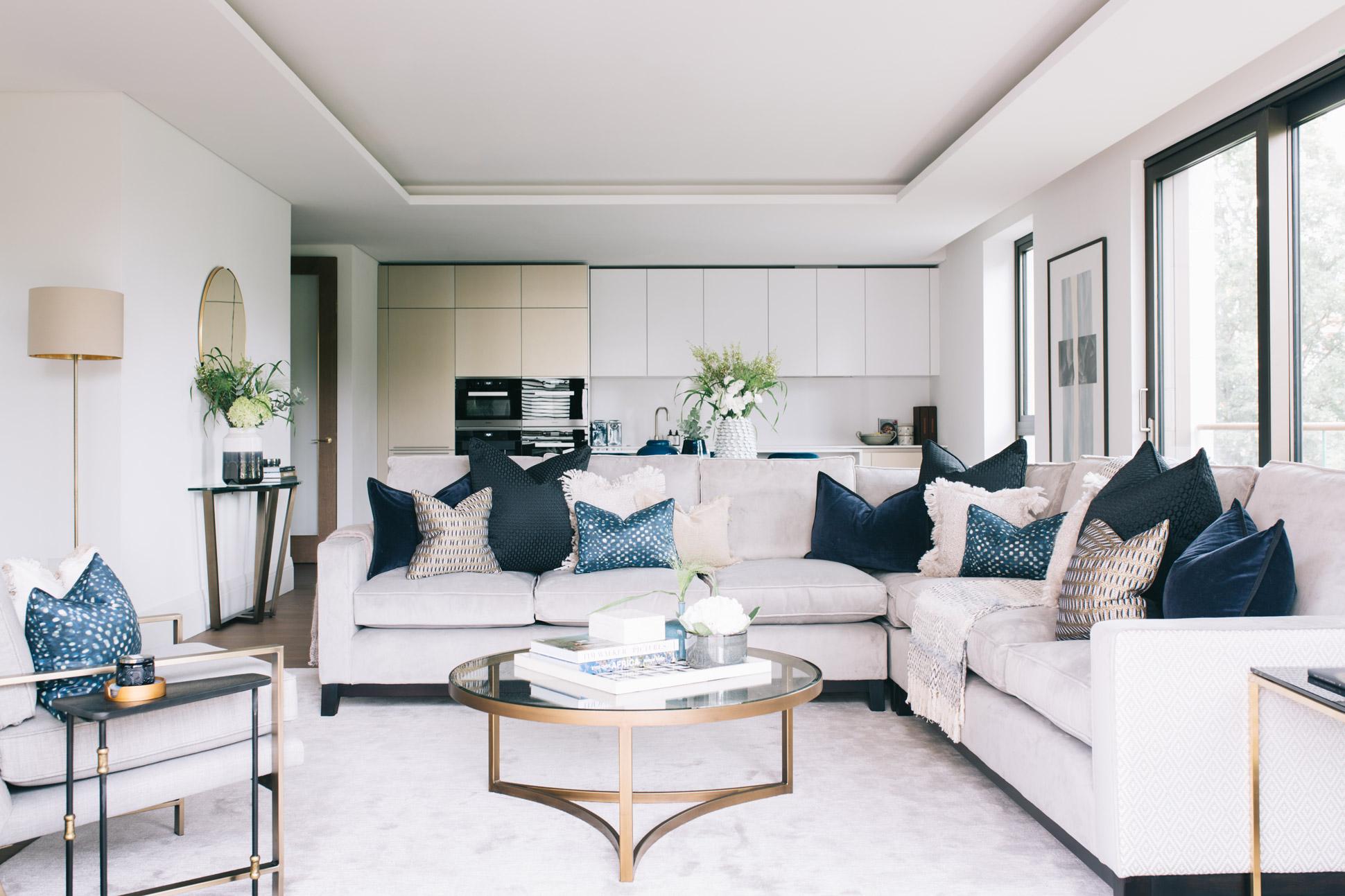 A_LONDON_Holland_Park_Villas_02_Living_Room.jpg