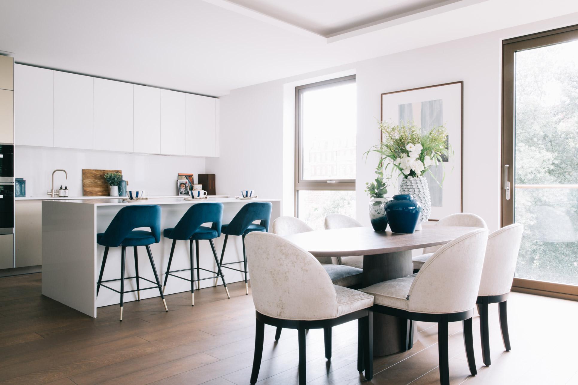 A_LONDON_Holland_Park_Villas_08_Dining_Area_Kitchen_Living_Room.jpg