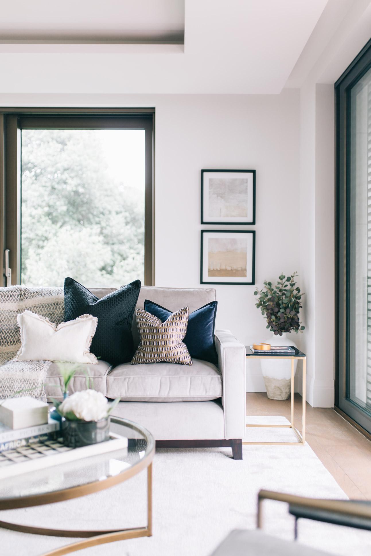 A_LONDON_Holland_Park_Villas_01_Living_Room.jpg