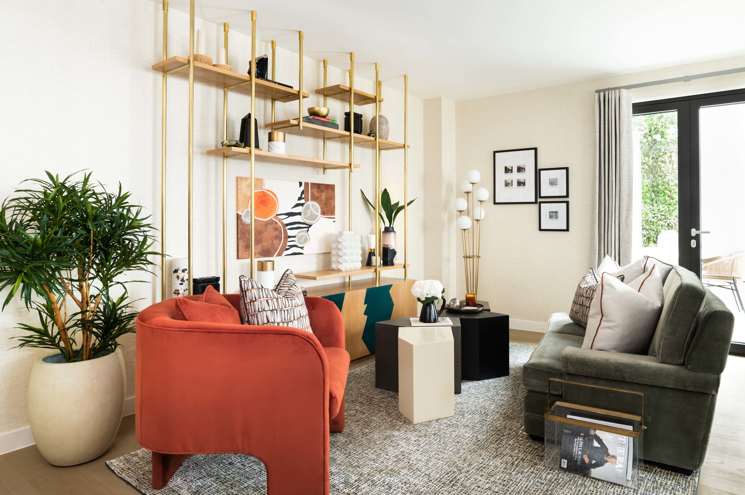 ALONDON_Lyons_Place_002_Living_Room.jpg