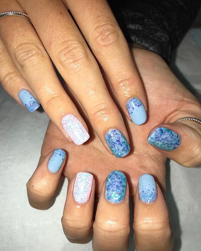 HOLIDAY NAILS 🦋🐠🐬✨ #gel #squarenails #magpieglitter #summer #tropicalnails #holiday #biosculpturegel #magpiejasmine
