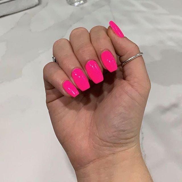 Pink to make the boys wink💅🏽💖✨ #gelbottle #nailselfie #beauty