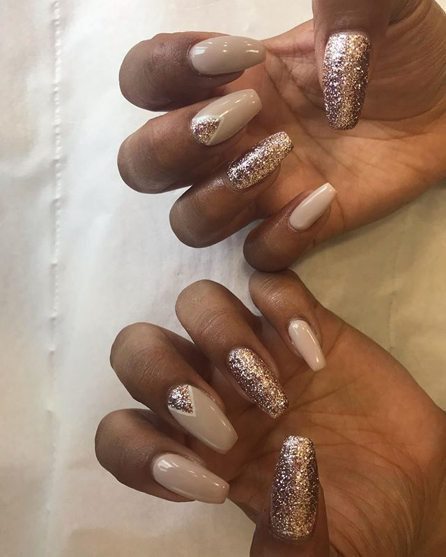 The nudes are making a return 🙌🏽✨#naturalnails #coffin #lecente #biab #nudenails #summer #nailart #freehand
