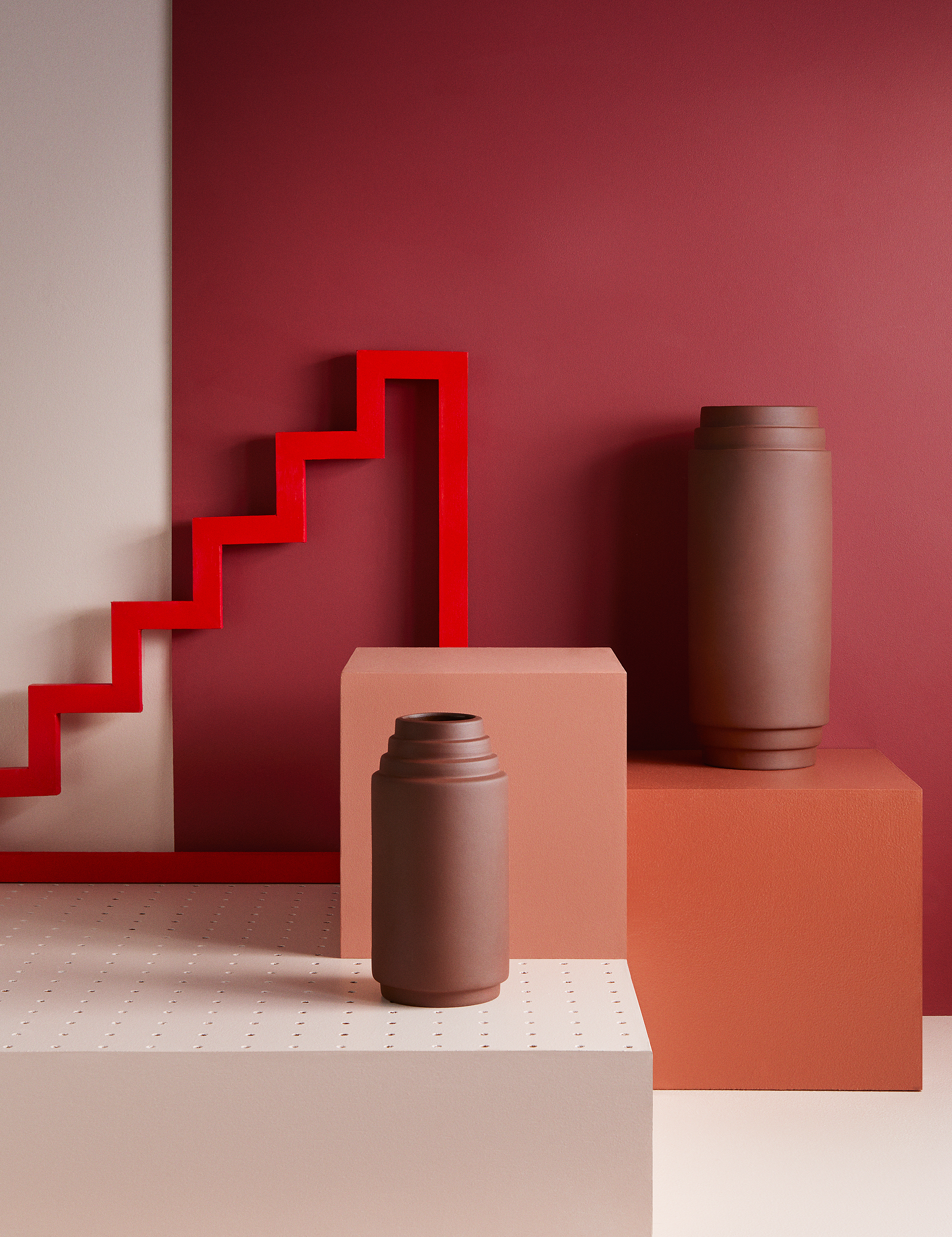 VASES, PHOTOGRAPHY: ANNE DEPPE, SET DESIGN: ANNA NIZIO