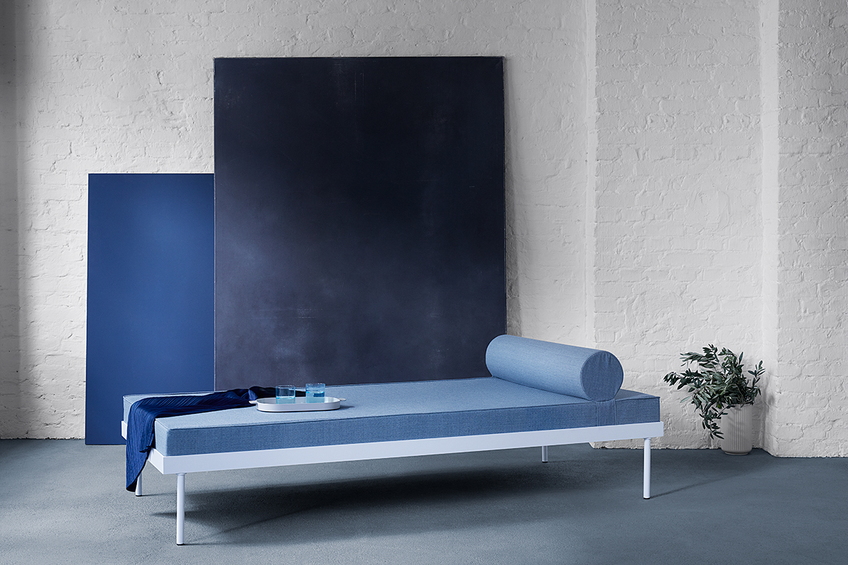 HABIT INTERIOR, PHOTO+SETDESIGN: ANNE DEPPE, Hans Gugelot Daybed