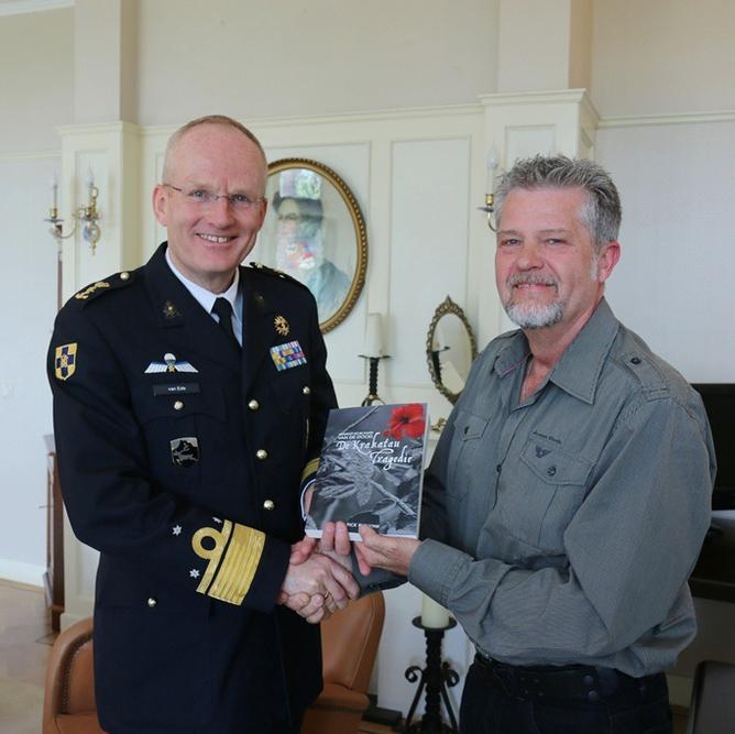 Showing the book Ontsnapt uit de kaken van de dood, De Krakatau Tragedie