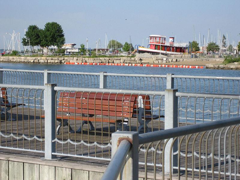 800px-Pier4ParkHamilton.jpg