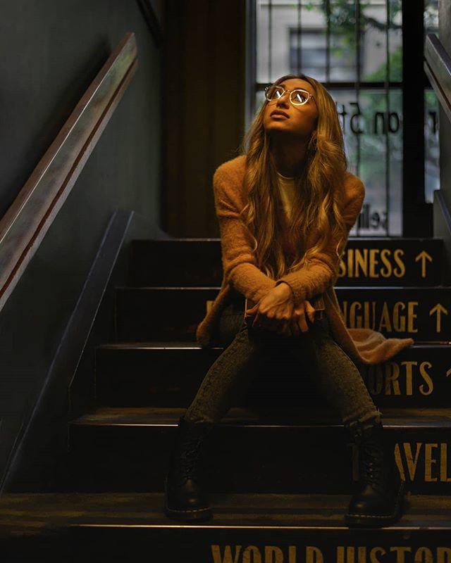 Model @chantellelisette . . #simivalleyphotographer #simivalley #simivalleyphotography #lamodel #laphotography #thelastbookstore #thelastbookstore📚 #bookstorephotography #photooftheday #photoshadow #lightandshadow #photolighting #simiphotographer #portraitphotographer #moodyports #moodyportraits #lowlight #lowlightportraits