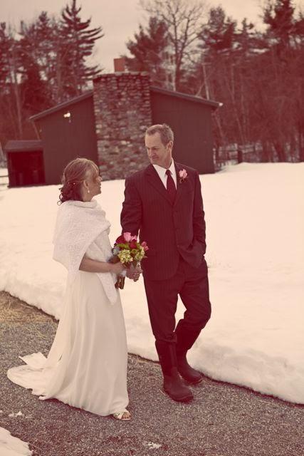 LANZA+SHAWL+WEDDING+IN+SNOW.jpg