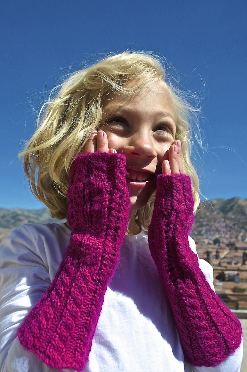arequipa gloves.jpg