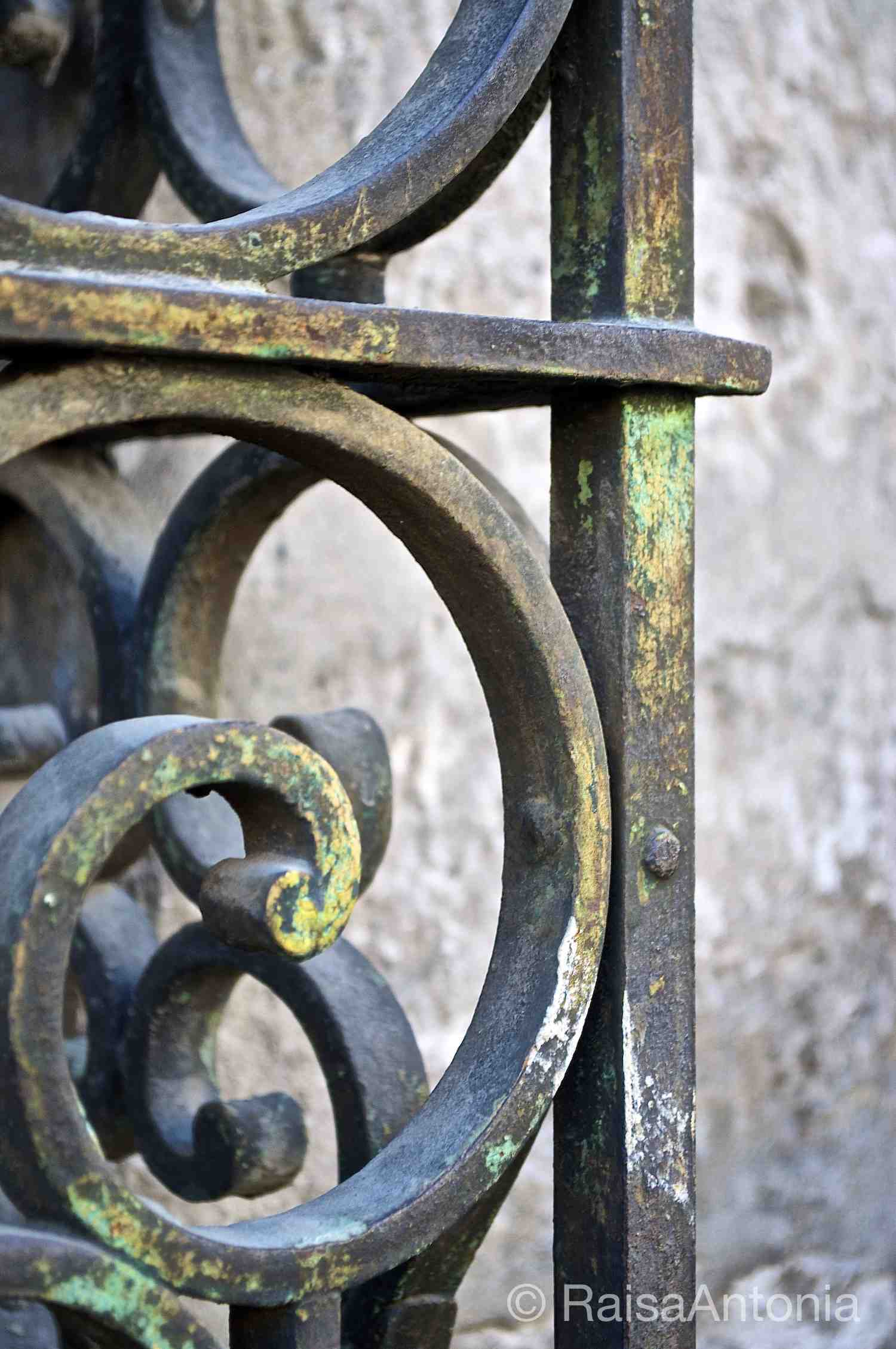 Arequipa Iron Gate
