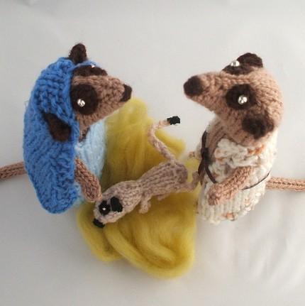 Knitted Meerkat Nativity