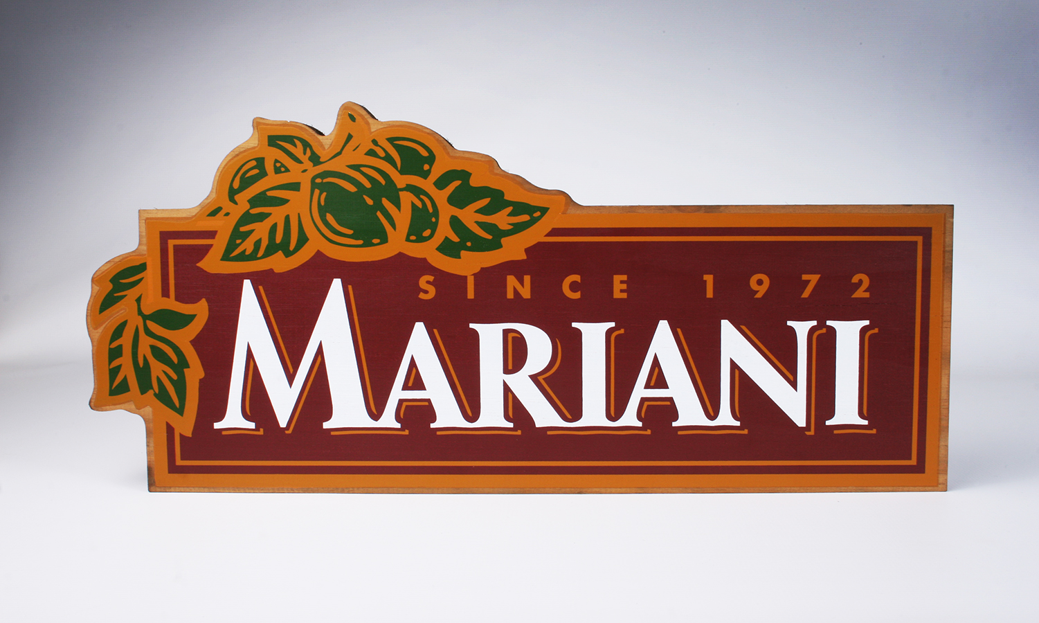 Mariani Nuts Sign