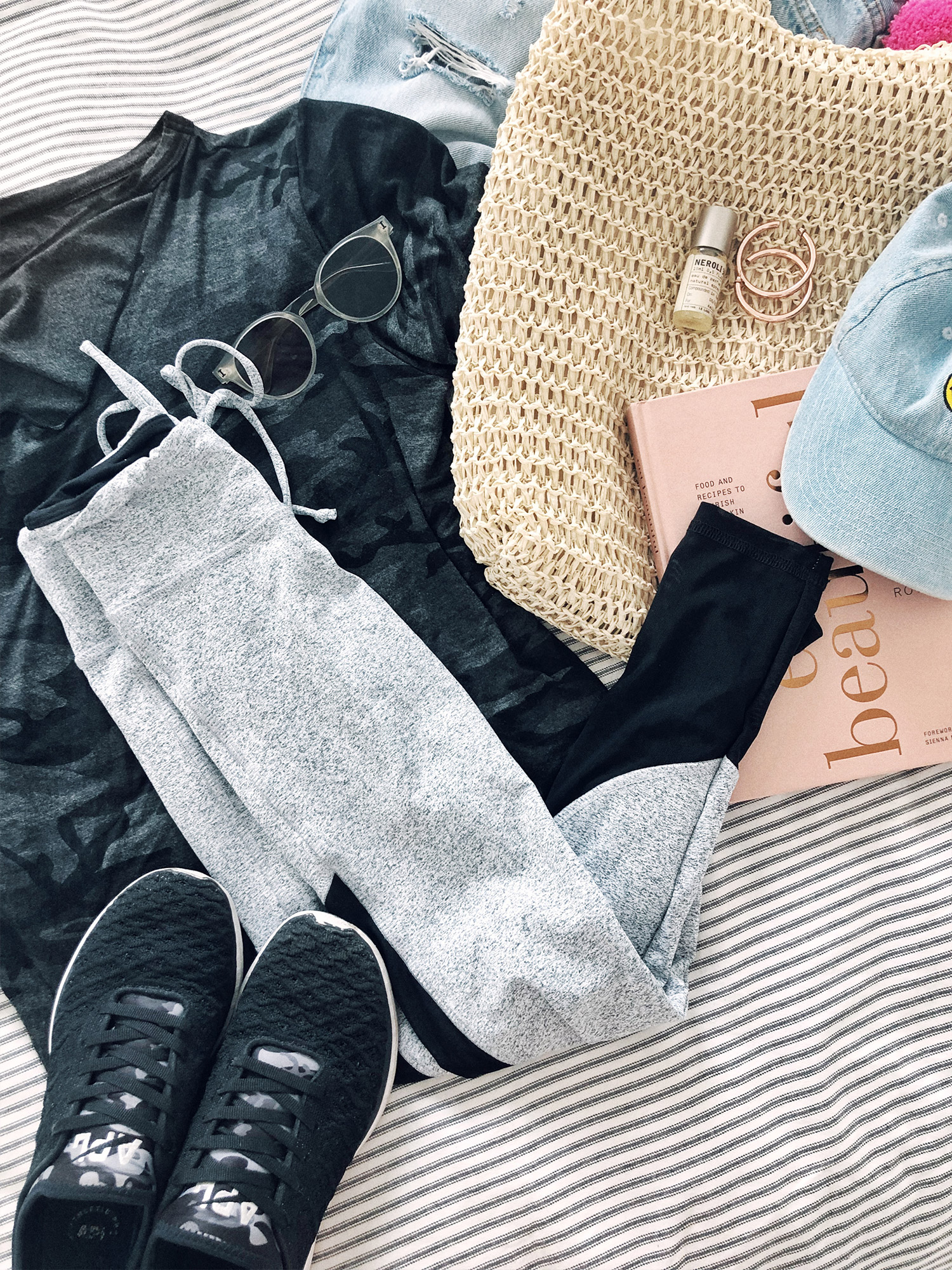 Cute Workout Outfit / Activewear / Flatlay Fashion / Kelly Fiance Creative
