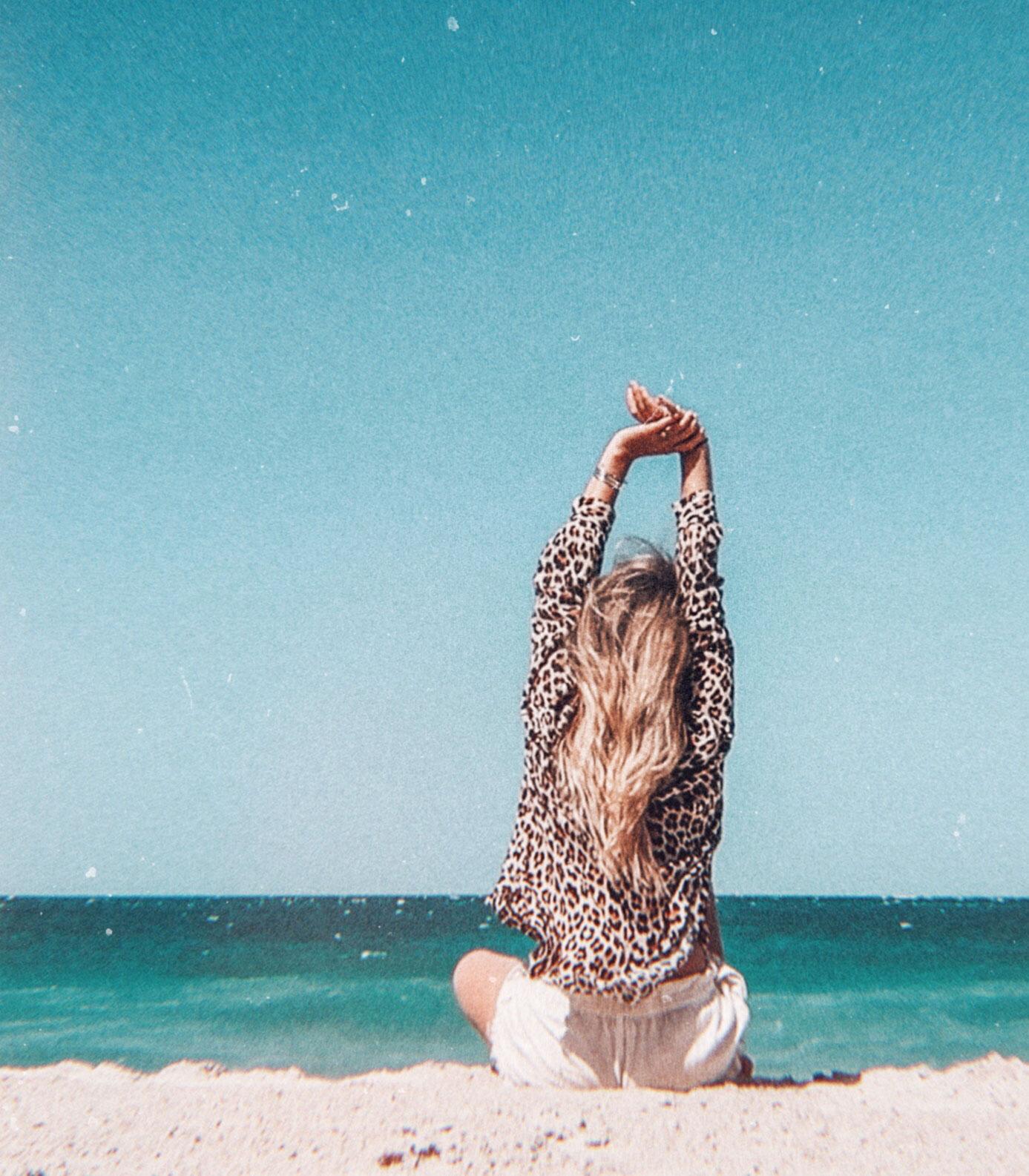 Beach Stretch Travel Photography / Dubai Travel Tips