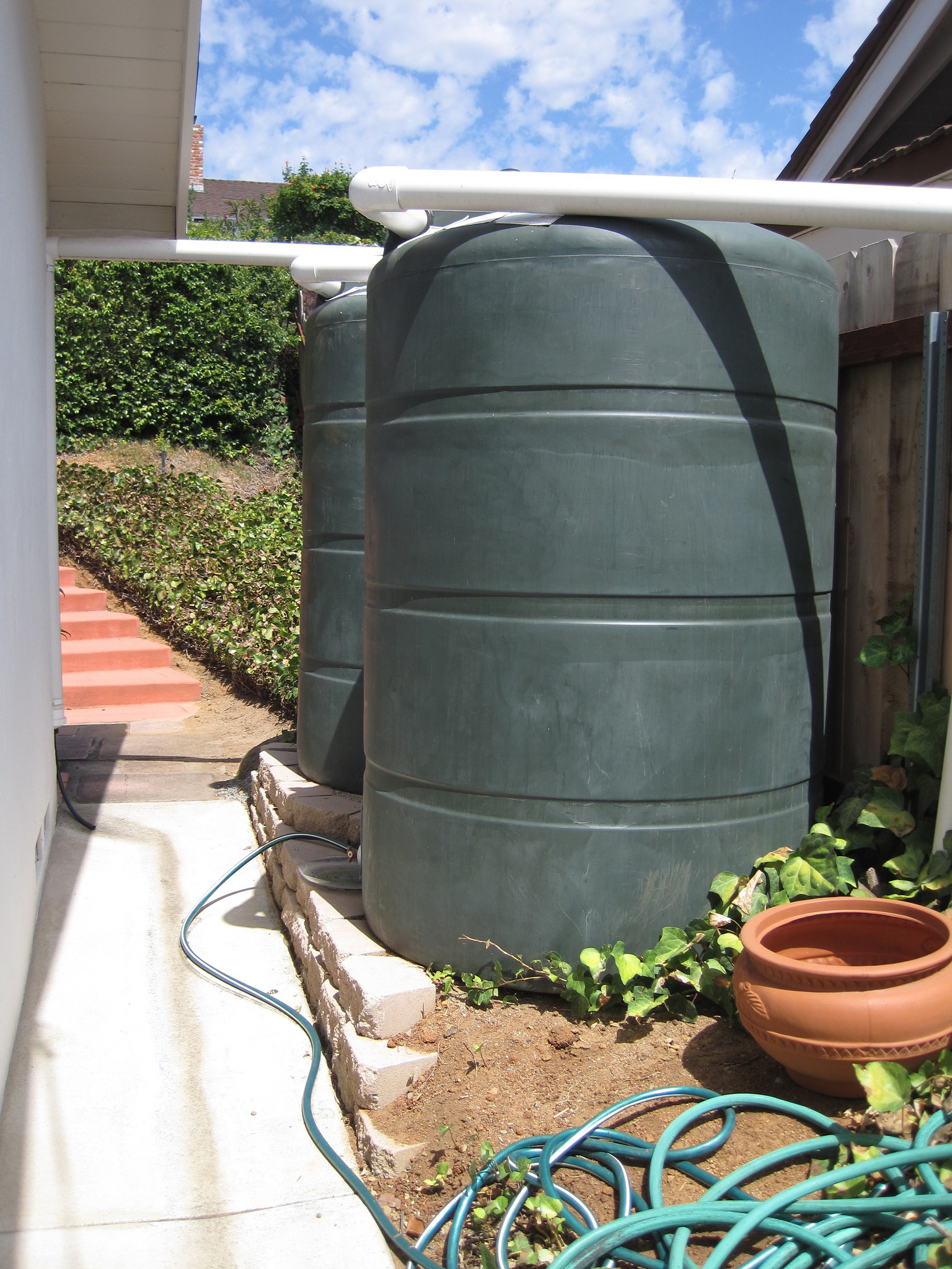 2 x 500 gallon tanks for a small side yard.