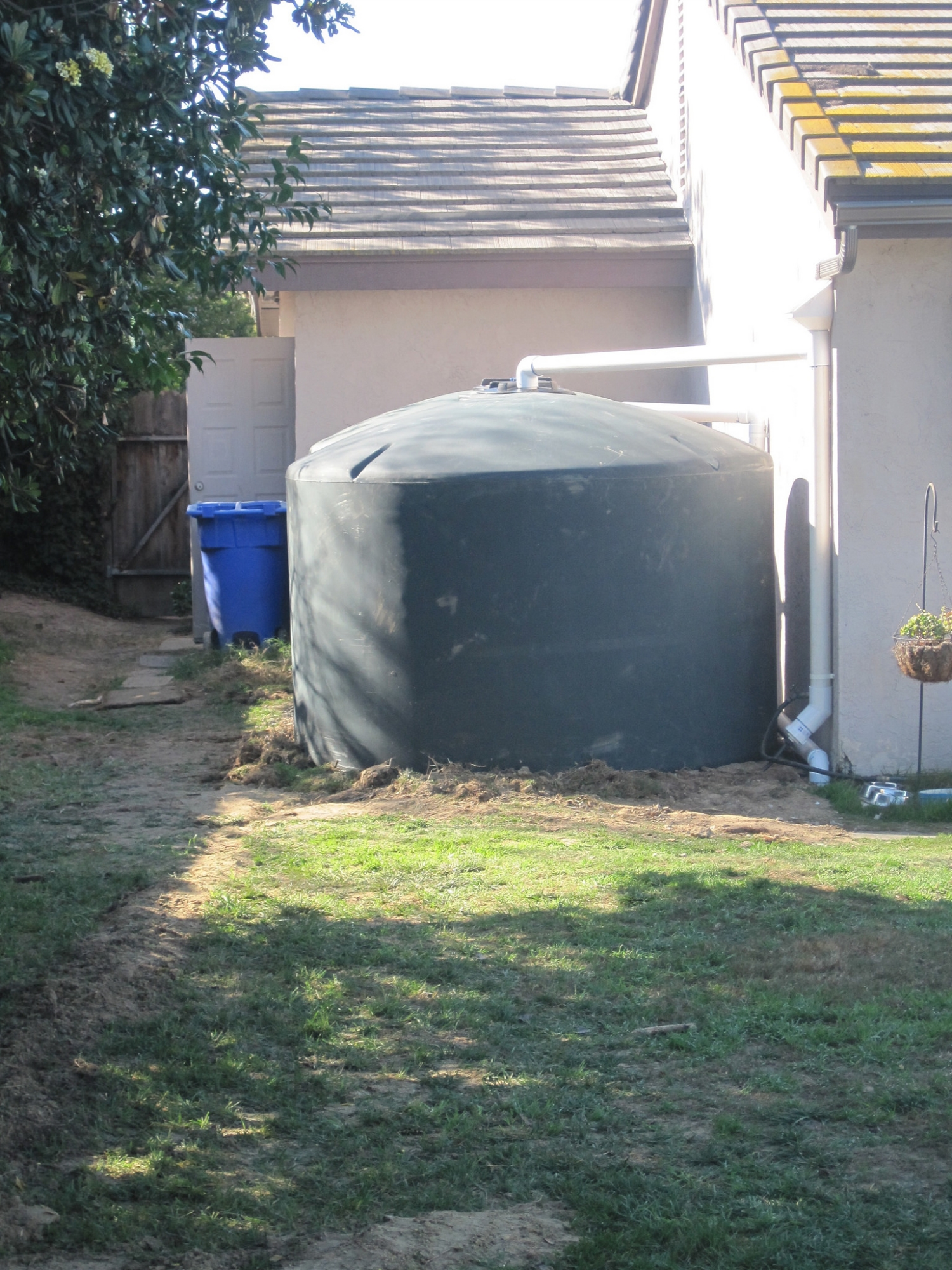 2 x 1500 gallon Rainwater Tanks