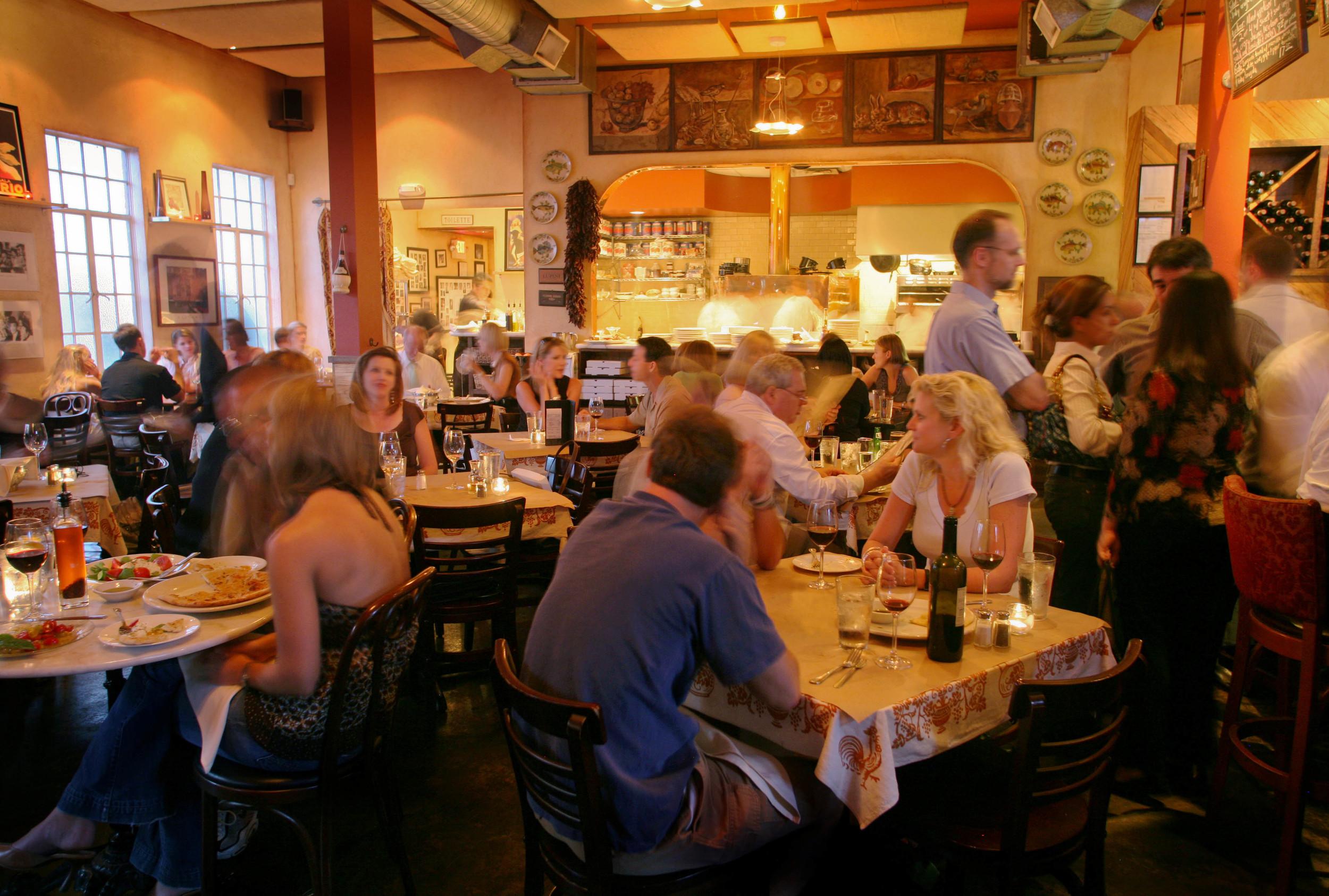 Taverna_Dallas1.jpg